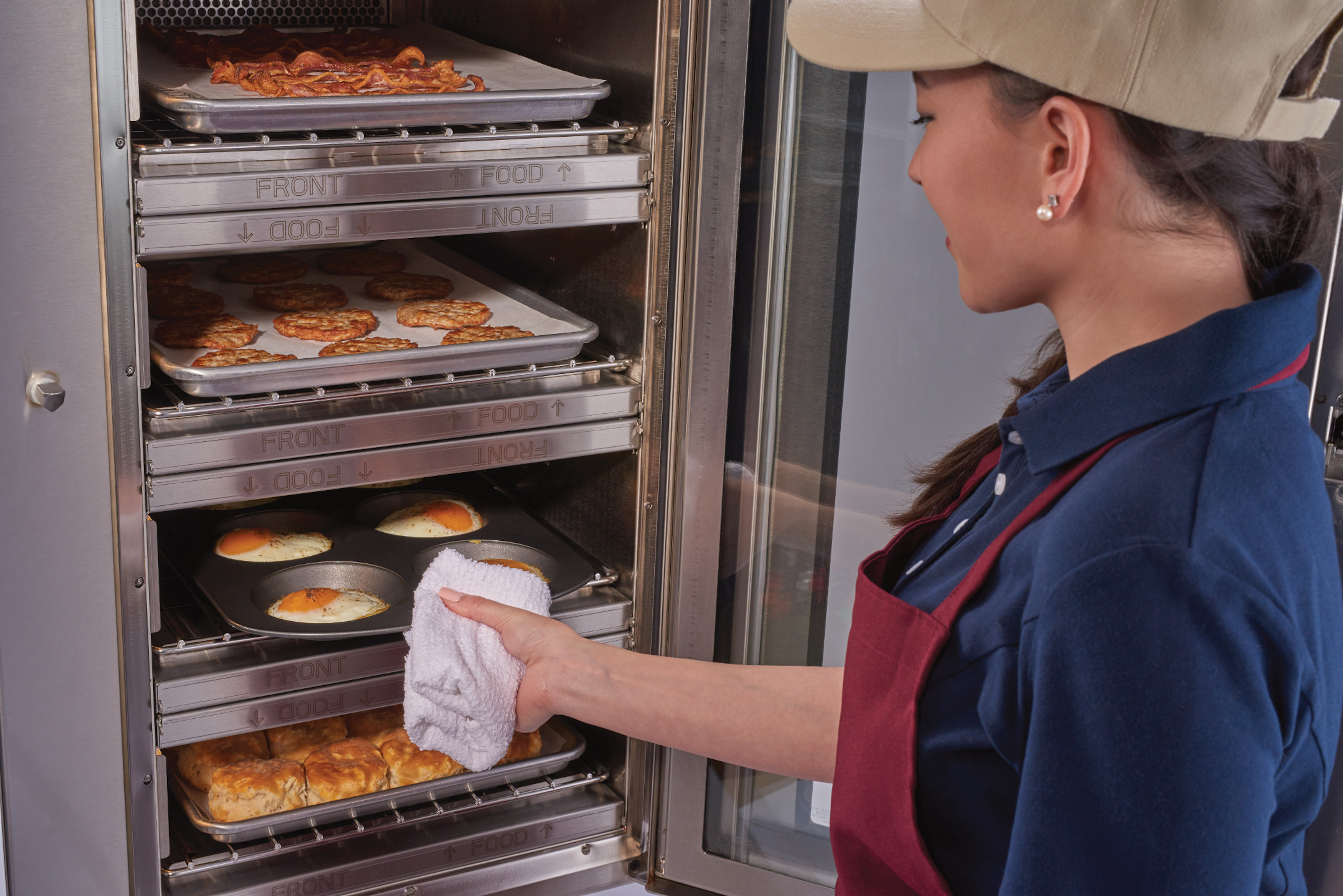 ALTO-SHAAM SHOWCASES LATEST VECTOR® SERIES OVENS  AT THE RESTAURANT SHOW